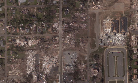 The EF4 tornado that swept through Tuscaloosa in 2011 was narrower and more intense than the Xenia tornado as it impacted the commercial district of Alberta City. Two-story apartment buildings and stores were leveled and, in  some cases, partially swept away. With the exception of the damage in Windsor Park, the Xenia tornado caused noticeably less intense damage across its entire path length.
