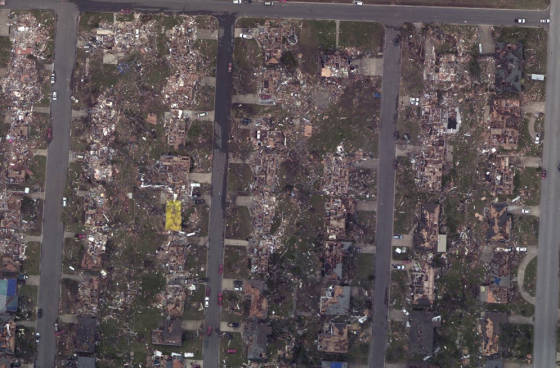 The home where the Minnesota Avenue film was taken was right at the EF2/EF3 damage contour, near the edge of the tornado's path. Most, if not all of the approximately 80 fatalities that occurred in frame homes were in the EF4 and EF5 damage zones.