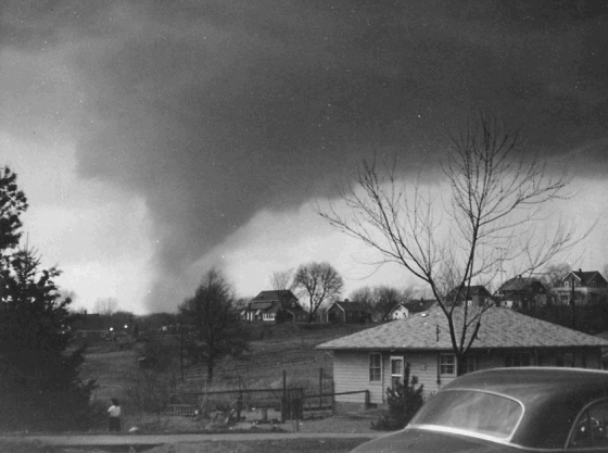 "The Hudsonville never took on the ""wedge"" shape typical of most F5 tornadoes and instead appeared as a large funnel, often with two or more vortexes visible at once. (Image by Marvin Bueker)"