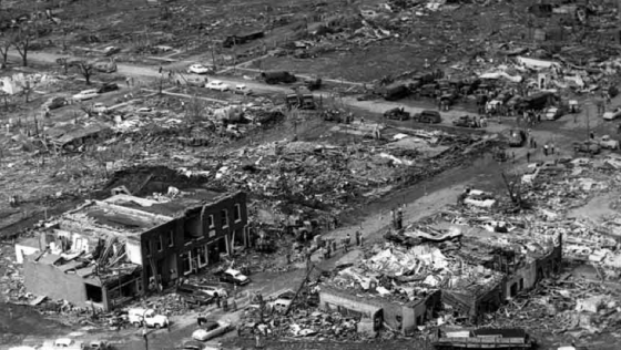The Udall tornado caused the highest death toll in a US town with a population under 1,000 residents. The town's small business destrict was wrecked, whereas homes immediately to the east were swept completely away.