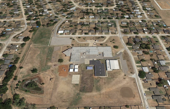The Plaza Tower Elementary School before the tornado. (Image courtesy of Google Earth)