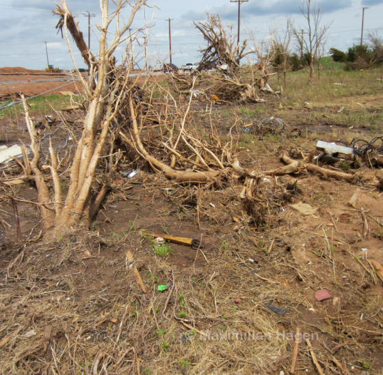 The width of the EF5 damage streak was less than 40 yards.
